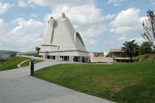 Le Corbusier لوکوربوزیه